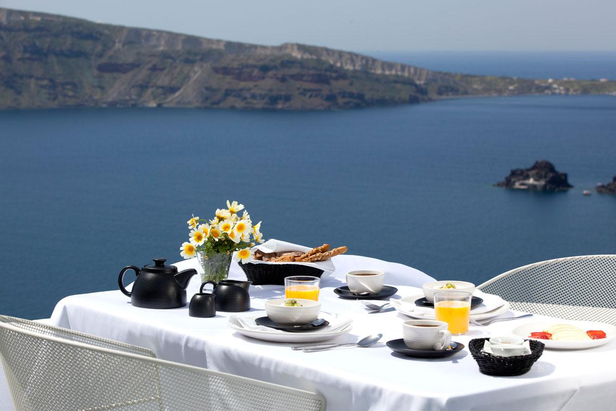 Breakfast at Ikies
