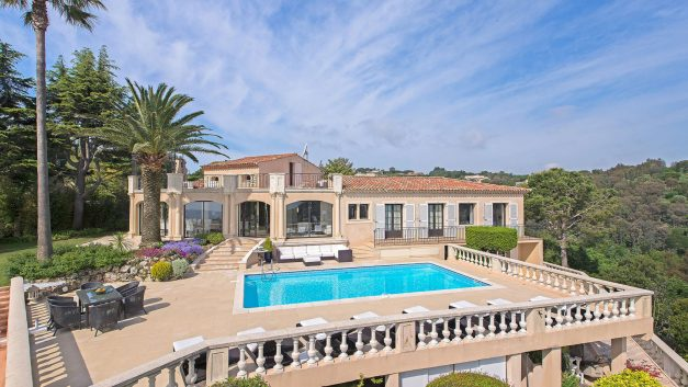 Luxury villa in Cannes