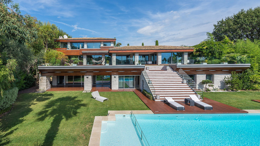 Opulent villa in Mougins