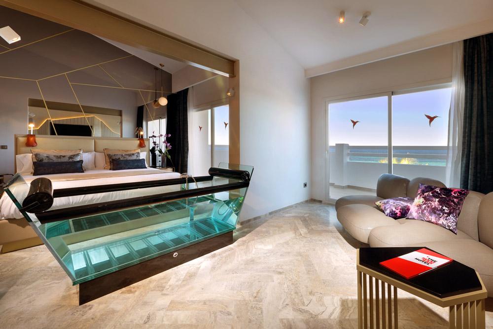 Transparent bathtub