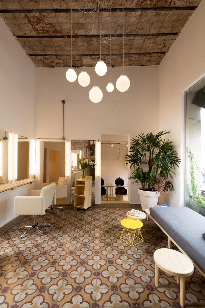Beautifully designed hair salon